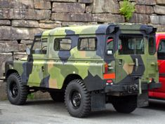 """Not really overloading, but this is a nice Norwegian Army Defender in """"splinter camouflage""""."""