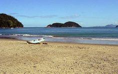 Conheça a Praia da Almada Em Ubatuba  Como todas as praias de Ubatuba a praia da Almada é mais uma para a lista das que precisam ser visitadas. A praia da Almada é considerada uma das mais agitadas da região.