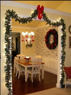 28 Dazzling Christmas Decoration Ideas so You Can Deck Your Halls - OES Installation & Term - weihnachts dekoration Christmas Entryway, Rustic Christmas, Christmas Diy, Christmas Wreaths, Christmas Vacation, Christmas Cactus, Christmas Decor For Kitchen, Christmas Island, Homemade Christmas