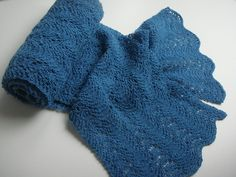 """This scarf uses """"fan and feather(-ish)"""" pattern. It is very easy to make, and same pattern appears in both sides.You may use any kind of yarn and needle size to make it."""