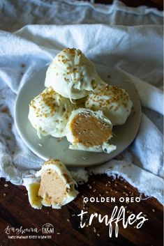Golden Oreo truffles are a super easy dessert that everyone will love. Easy, delicious, crowd-pleaser. They'll be a hit with whoever eats them!