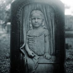 Gravestone of Lillie Gilbert (15 March 1870 - 16 March 1875),
