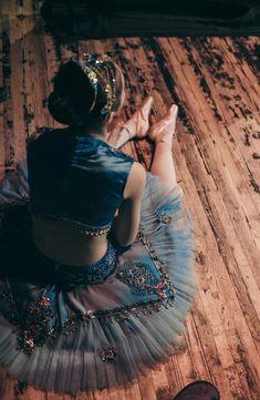 Ballet Images, Ballet Pictures, Tutu Costumes, Ballet Costumes, Ballet Art, Ballet Dancers, Dance Movement, Ballet Photography, Ballet Beautiful