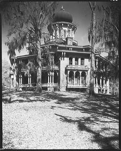 Longwood Plantation House, Near Natchez, Mississippi Walker Evans (1935)