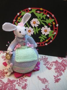 Most adorable knitted decorative bunny...also can be used as a pincushion    Lots of detailwork here