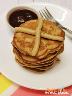 Love Easter because you can indulge on hot cross buns - well now you can enjoy Easter anytime with this thermomix hot cross pancakes recipe. So full of spic Thermomix Pancakes, Thermomix Desserts, Pancake Place, Hot Cross Buns, Cream Cheese Recipes, Pancakes And Waffles, Easter Recipes, Food Hacks, Snacks