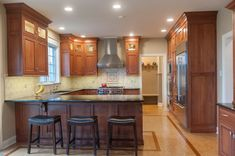 2c16187dee3630f2a3160952e53a64bd--kitchen-reno-kitchen-cabinets Narrow Hall Kitchen With Breakfast Bar Ideas on narrow kitchen family room, narrow kitchen with island, narrow kitchen pantry,