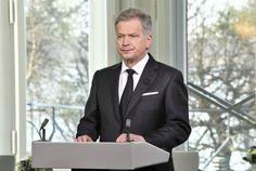 Tasavallan presidentti Sauli Niinistö muisteli edesmenneen presidentin elämää puheessaan.