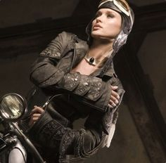 Steampunk its more than an aesthetic style, it's the longing for the past that never was. In Steampunk Girls we display professional pictures, and illustrations of Steampunk, Dieselpunk and other anachronistic 'punks. Some cosplay too! Moda Steampunk, Steampunk Jacket, Steampunk Clothing, Steampunk Fashion, Steampunk Motorcycle, Steampunk Cafe, Steampunk Female, Steampunk Airship, Steampunk Pirate