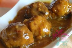 Albóndigas en salsa de cebolla y azafrán My Favorite Food, Favorite Recipes, Rib Meat, Onion Gravy, Carne Asada, Food Decoration, Spanish Food, Spanish Recipes, Mediterranean Recipes