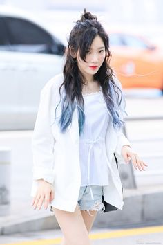 Kim Tae-yeon (김태연) of Girls' Generation (소녀시대) heading to Hong Kong for her 'PERSONA' concert.