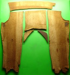 Photograph of Damendorf trouser pieces, Links to article about Viking men's pants