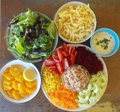 O Meu Tempero: Salada mista de atum com molho de iogurte e coentr...