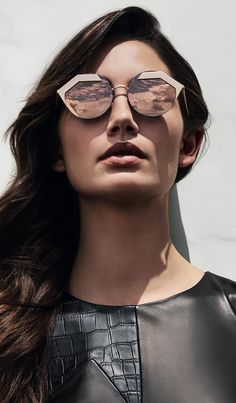 Inspired by Bvlgari's extraordinary jewelry design, this collection boasts uncompromising quality and brilliant attention to detail. An expression of elegance and refinement, Bvlgari designer sunglasses blend sophistication and intriguing style into an extraordinary luxury. Sunglasses Bvlgari 6089 https://lenshop.eu/manufacturers/9250-bvlgari/sunglasses