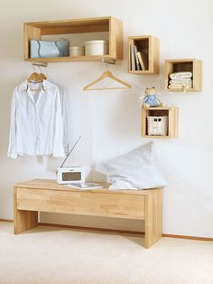 Flurmöbel selber bauen Here we show you a lot of creative ideas for storage space in the hallway and simple solutions how you can build space-saving hall furniture yourself Hall Furniture, Diy Furniture Couch, Living Room Furniture Arrangement, Diy Outdoor Furniture, Retro Furniture, Furniture Styles, Cheap Furniture, Furniture Design, Building Furniture