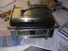 roller grill pour panini, viande poisson, hamburger ect +http://www.befr.ebay.be/sch/titigeode/m.html?item=301235800912&ssPageName=STRK%3AMESELX%3AIT&rt=nc&_trksid=p2047675.l2562