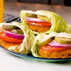 We re BIG fans of low-carb burgers Hellooo bunless burger bites We love how sturdy cabbage is as a b Healthy Meal Prep, Healthy Dinner Recipes, Low Carb Recipes, Diet Recipes, Healthy Snacks, Cooking Recipes, Lunch Recipes, Healthy Wraps, Keto Snacks