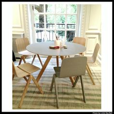 Scandinavian Design House, Dining Chairs, Dining Table, Apartment Goals, Koti, Kitchen Dining, New Homes, Breakfast, Furniture