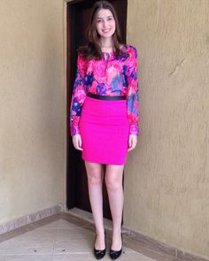 @lookbyus look trabalho work outfit style fashion pink Rosa scarpin saia lápis pencil skirt camisa florida flowers flores