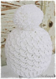 Lupaamani tupsupipon ohje tulee tässä! Harmaan pipon olen kutonut Vikingin Odinista. (18 s=10 cm) n:o 5,5 pyöröpuikoilla ... Diy Crochet And Knitting, Free Knitting, Crochet Hats, Knitting Patterns, Crochet Patterns, Drops Design, Beautiful Crochet, Handicraft, Knitted Hats