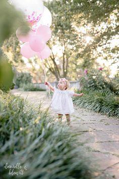Birthday Girl Pictures, Baby Girl 1st Birthday, Baby Girl Pictures, First Birthday Photos, First Year Photos, Birthday Ideas, First Birthday Photography, Baby Girl Photography, Photo Ballon