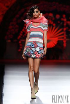 Francis Montesinos Spring-summer 2014 - Ready-to-Wear - http://www.flip-zone.com/fashion/ready-to-wear/createurs-independants/francis-montesinos-4123