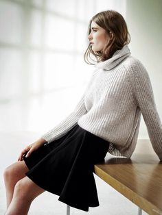Knits #jeanlouisdavid #inspiration #pull #oversize #sweater #cold #fall #winter #fashion #trends #city #energy #urban Inspiration Jean Louis David