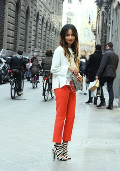 Red pants, amazing shoes. Adore this look.
