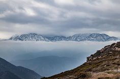 Floating mountains   #naturehunters#beautyofnature #thecreatorclass#liveauthentic#freedomthinkers#finditliveit#snapwire#agameoftones#yngkillers#pro_ig #great_image #splendid_shotz#epic_captures #dslr #rawcalifornia#socalshooters #californiaexplorers#createexplore #createexploretakeover#neverstopexploring by spdfotos