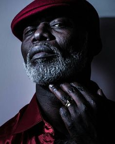 French actor Eriq Ebouaney born of Cameroonian immigrants. from - Eriq Ebouaney. I Love Beards, Grey Beards, Handsome Black Men, Black Man, Beard Game, Sexy Beard, Black Actors, Men With Grey Hair, Its A Mans World
