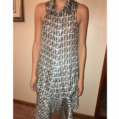 Carven Queen Stamp Sleeveless Silk Top 100% silk. Size 38. Fits size XS/S. Classic Carven Stamp Top. Will sell top + bottom set for bundled rate Carven Tops Tank Tops