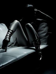"marquise-justine-de-sade: ""Persa come Alice, matta come il Cappellaio "" Provocateur, Erotic Photography, Photography Ideas, Glamour Photography, Yin Yang, Mannequins, Belle Photo, Black And White Photography, Submissive"