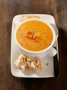 Lobster bisque Lobster Recipes, Seafood Recipes, New Recipes, Lobster Food, Yummy Recipes, Seafood Bisque, Lobster Bisque, Good Food, Yummy Food