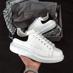 The best Alexander Mqueen shoes online Alexander Mcqueen Schuhe, Alexandre Mcqueen, Dr Shoes, Cute Shoes, Me Too Shoes, Black Sneakers, Shoes Sneakers, Sneakers Fashion, Fashion Shoes