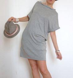 T-Shirt Lunga - Vestito Corto - Top Lungo - Miniabito - Copricostume - T-Shirt - Maglietta Grigia - Maglietta Larga - Vestiti Comodi -
