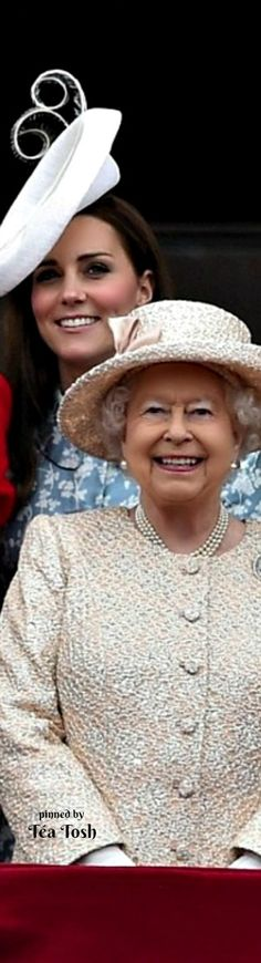 ❇Téa Tosh❇ Her majesty the Queen with Charles, William, Kate and George and Harry at Trooping the Colour