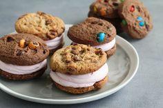 עוגיות סנדוויץ' במילוי קרם בטעם פירות יער - פריגת