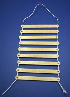 Usar palitos de picolé e fios, fornecer as palavras impressas e cortadas em tiras. / Use popsicle sticks and yarn, provide the words printed out and cut into strips.