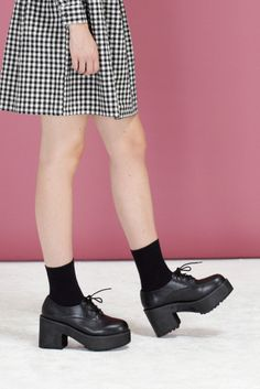Leather Chunky Heel Brogue Black