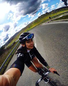 "589 Me gusta, 13 comentarios - Malena Nowotarska (@malenanowotarska) en Instagram: ""@lookcycle #cycling #motivation #train #polishgirl #fitness #fit #legs #weekend #body #cyclinglife…"""