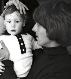 George Harrison with Julian Lennon SO CUTE!!!! <3