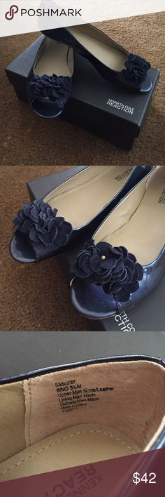 Kenneth Cole Flats 👡 Navy Blue peep-toed flats with a suede flowery detail. Never worn. Too big. Size 9.5. No trades. Make an offer 💕 Kenneth Cole Reaction Shoes Flats & Loafers