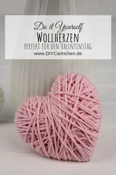 Most current Photographs DIY Wollherzen schnell und einfach selber machen - schöne Deko Thoughts On hot summertime times, every bit of material on skin is too much. Diy Crafts For Adults, Easy Diy Crafts, Diy Crafts To Sell, Sell Diy, Decor Crafts, Bullet Journal Boxes, Thrift Store Crafts, Love Gifts, Homemade Gifts
