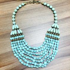 Mais um maxi colar maravilhoso,  bijoux em pedras naturais se destacam cada vez mais, a cor azul turquesa faz a diferença na hora de compor sua produção.  Invista em você use @bijouxlike Logo mais em nosso ecommerce, inspire-se!  #maxicolares #pedrasnaturais #colares #bijouxfinas #bijoux #semijoias #bijuterias #lookdodia #moda #modamulher #verao2016 #love #look #acessorios #luxo #complemento #joias #fashion