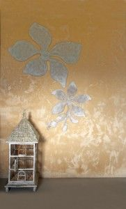 Decorate a bare wall with motifs cut from cardboard boxes DIY