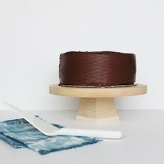 This sweet little cake stand could NOT be easier to make! Come see how.