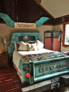 Truck bedroom - California king snake these little beauties are sometimes mistaken for coral snakes; Western Bedroom Decor, Western Rooms, Cowgirl Bedroom, Redneck Bedroom, Western Decor, Country Teen Bedroom, Country Themed Bedrooms, Western Bathrooms, Car Themed Bedrooms