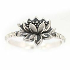 Amazon.com: Detailed Lotus Blossom Flower Ring in Sterling Silver, Available in Sizes 6, 7, 8 and 9#7428: Taos Trading Jewelry: Jewelry