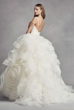 4082c8ee4ea 25 Best Vera Wang Gowns images