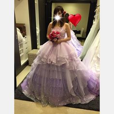 カラードレス パープルドレスにグリッターがすごくついていてキラキラでしたキラキラ好きにはツボなドレス さすが#barbie ドレスです #プレ花嫁#ドレス試着#試着レポ#カラードレス#ウェディング#ドレス迷子#秋婚#栃木花嫁#結婚式準備 by m.y.k05